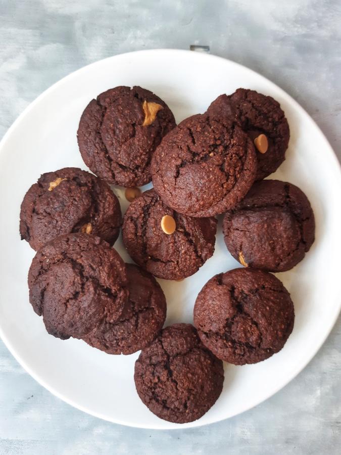 Briose cu ciocolata si unt de arahide (Vegan, Gluten Free)