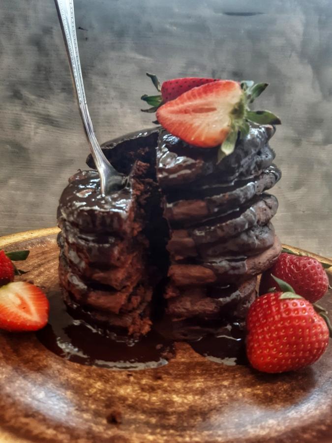 Clatite pufoase cu ciocolata