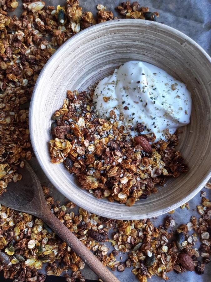 Granola crocanta cu turmeric si ghimbir